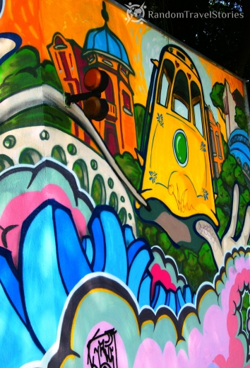 Grafitti, jakich na lokalnych murach wiele.