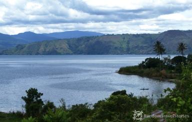 Widok na jezioro Toba, Sumatra Północna.