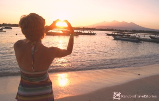 Wschód słońca na Gili.