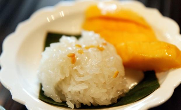 Mango_sticy_rice_(3859549574).jpg